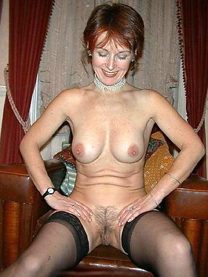mature amateur moms stripped