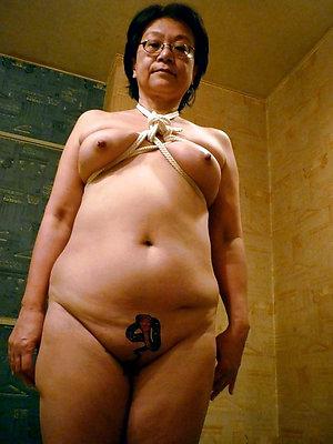 slutty mature asian pussy pics