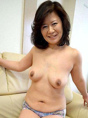 porn pics of mature asian moms