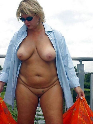 mature bbw pussy stripped