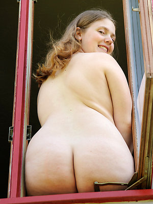 mature bbw milf stripped