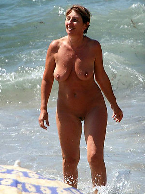 free pics be fitting of nude beach matures
