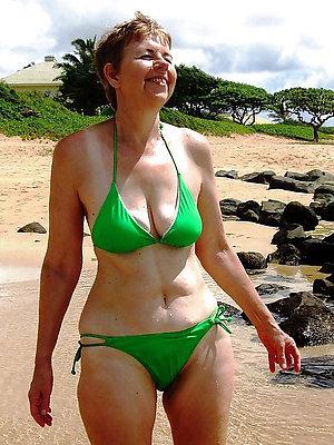 super-sexy busty mature bikini