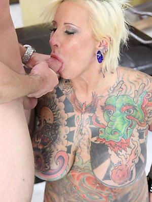beautiful matured women with tattoos