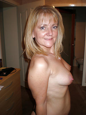 beautiful mature wife pictures