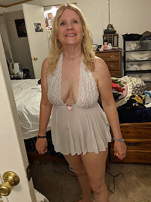 old slut wife displaying her pussy