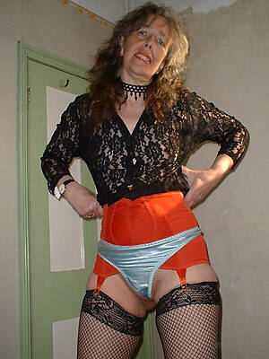 hot sexy mature moms in panties