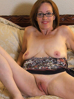 busty mature in glasses Bohemian sex photo