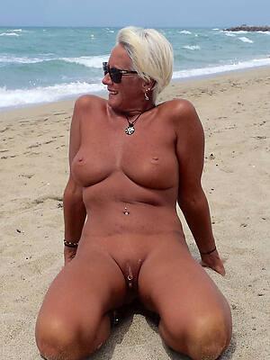 naked beach mature sex pics