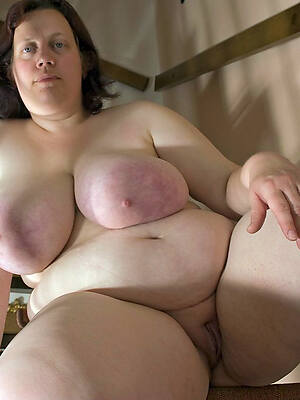 naked pics of bbw mature mom