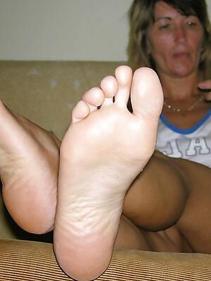 hot sexy grown-up limbs pics