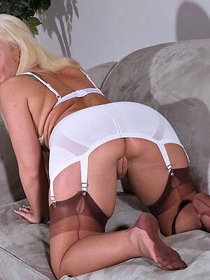 busty mature stockings pictures