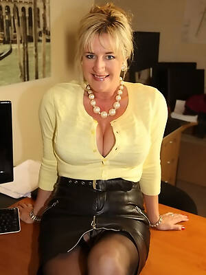 dominate non nude mature women hot pics