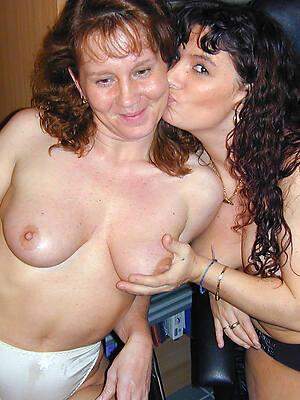 beautiful amateur matured lesbians nude