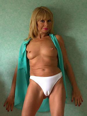 mature cameltoe pictures
