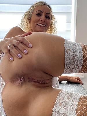 free mature cunt pictures