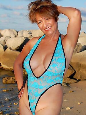 mature in bikini amateur porn pics