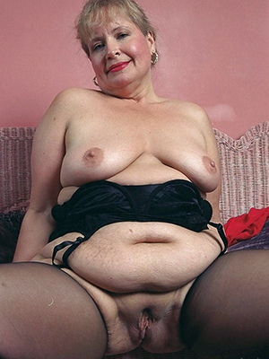 chubby matures posing lay bare