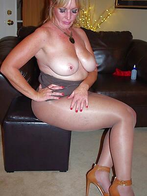 superb matures in pantyhose pics