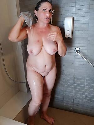 prexy mature shower amateur porn pics