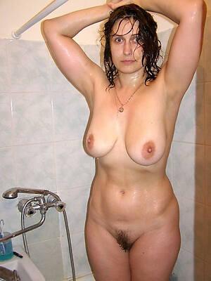naked mature shower pics