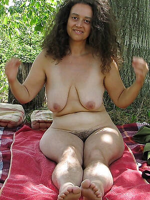 unembellished pics of hot mature legs