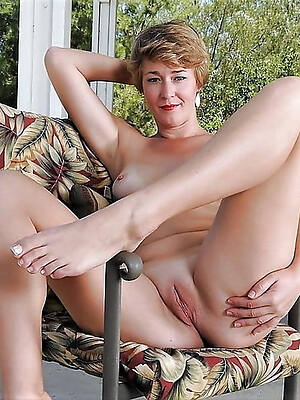 foot fetish mature pictures