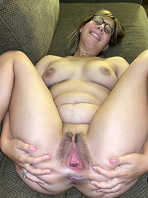 unshaved mature pussies pictures