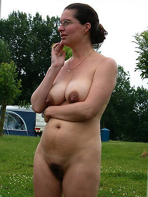 mature unskilled uk posing nude