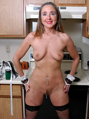 immoral mature housewives love porn