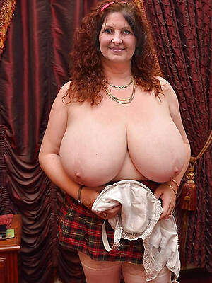 sexy big mature titties pics