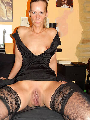 sexy mature shaved pussy pictures