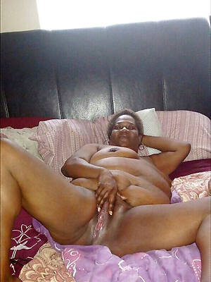 beautiful mature black women naked