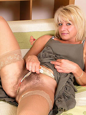 naked pics of mature cameltoe