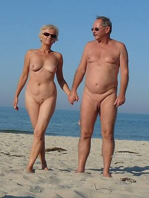 beautiful naked mature clasp hot pics