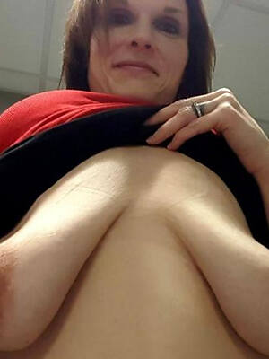 unmask pics of mature saggy breasts