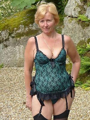 busty lingerie mature women sharpshooter