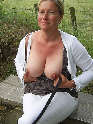 grown-up hot tits pictures