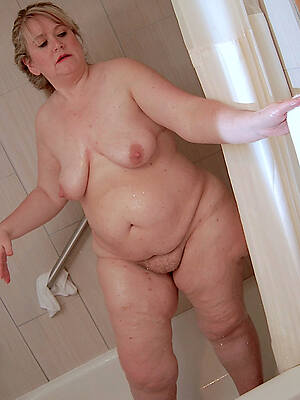 busty naked mature wife shower