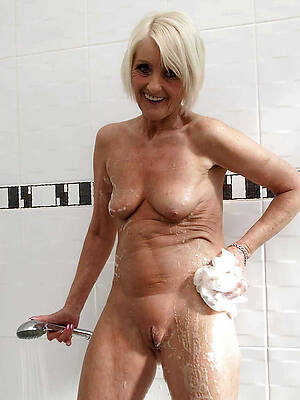 hot sexy mature women in dramatize expunge shower