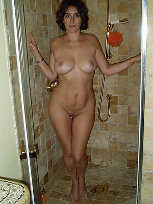 real mature women shower pictures
