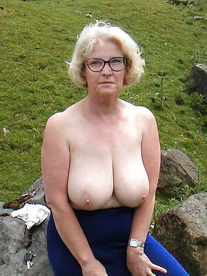 fabulous mature women boobs