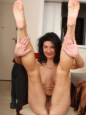 mature beautiful legs high def porn