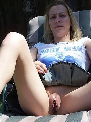 hot mature upskirt pics