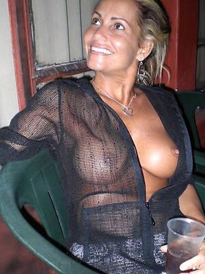naked pics of sexy women mature