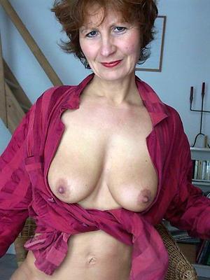 wonderful mature woman solo pics