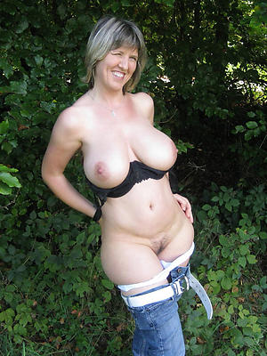 nude mature women stripped