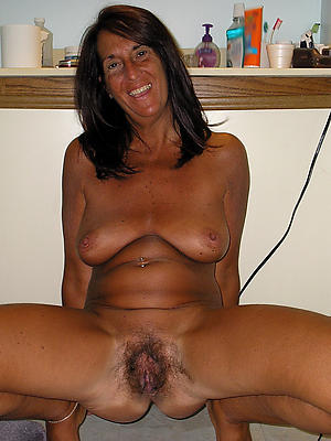 porn pics of nude mature column