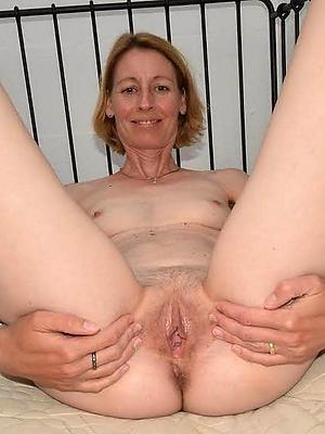 xxx naked mature women gallery