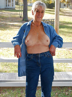 hotties mature ass in jeans